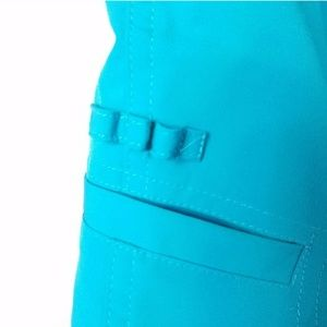 Emerald 18 Shorts - Emerald 18 Bermuda Golf Shorts